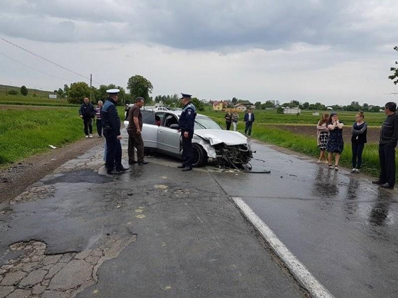 Nouă răniţi şi trei maşini făcute zob, într-un accident provocat de un tânăr din Botoşani! FOTO