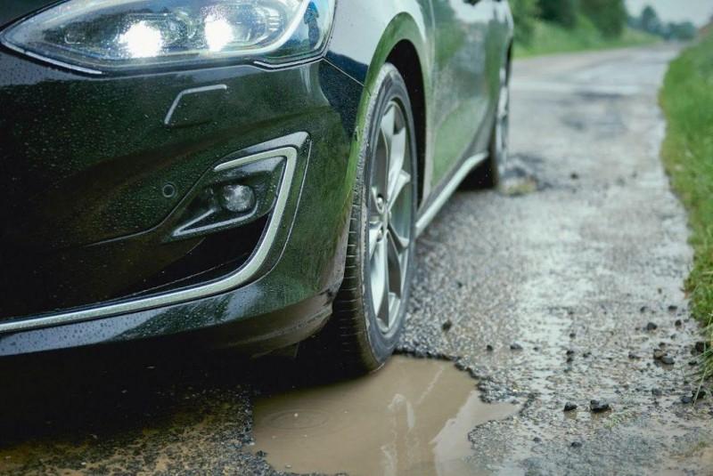 Noul Ford Focus are un sistem care detectează gropile - VIDEO