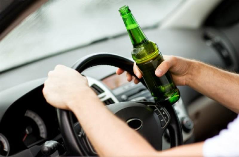 """Noul tipar de """"șofer"""" botoșănean: 20 de ani, fără permis, beat la volan!"""