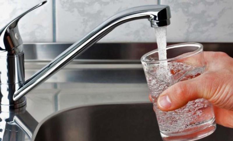 Nova Apaserv S.A. Botoșani reduce presiunea apei în municipiu pentru efectuarea de lucrări. Vor fi afectate toate apartamentele de la etajele superioare