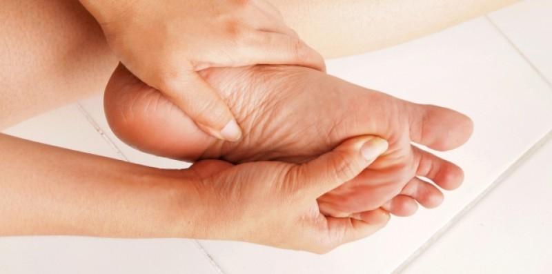 NU IGNORA: Furnicăturile la mâini și picioare pot semnala diferite boli