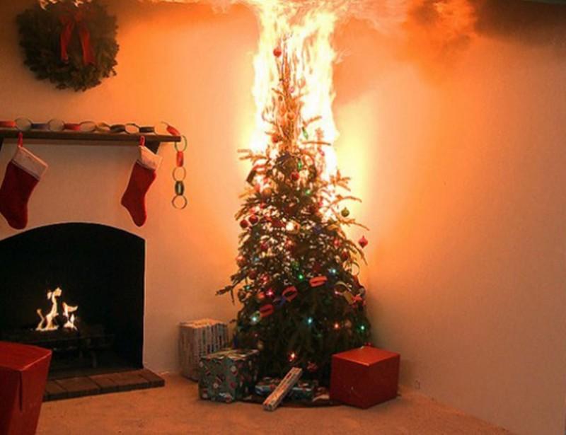 NU IGNORA: Sfaturi de la pompieri pentru Sărbători de Iarnă fără incendii