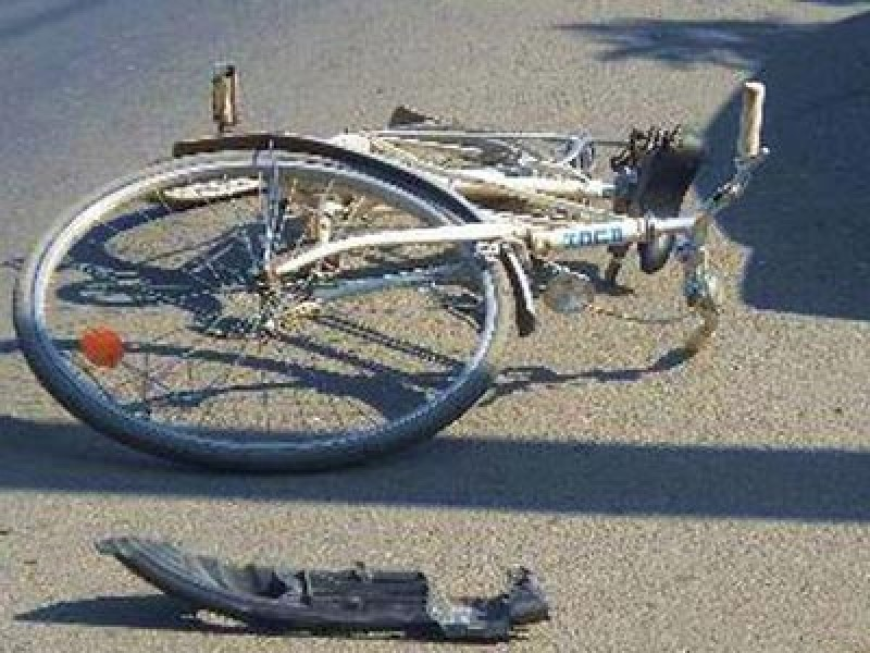 Nu s-a asigurat la efectuarea manevrei de întoarcere: Biciclist botoșănean rănit!