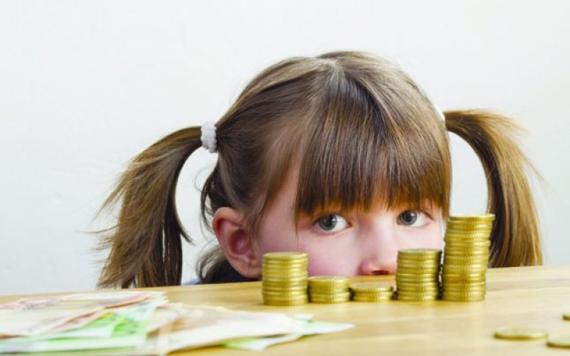 Nu sunt bani pentru dublarea alocaţiilor: Contul este, bani nu sunt