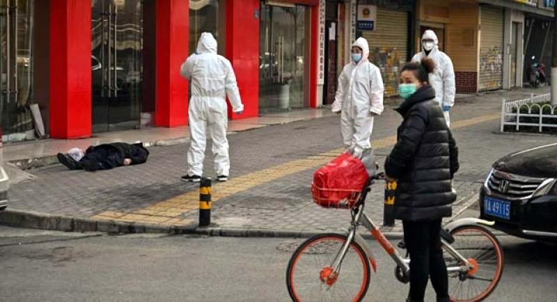 Numărul total al deceselor în urma virusului ucigaș din China se apropie cu rapiditate de 1000