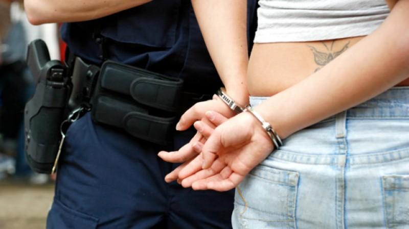 O botoșăneancă condamnată în Italia pentru FRAUDĂ a fost reținută de polițiști!