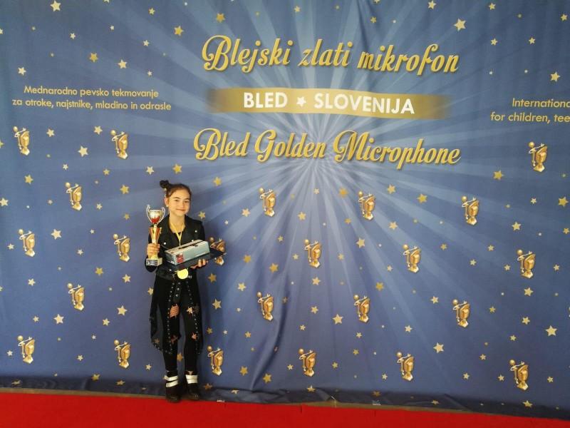 O botoșăneancă de nouă ani, pe podiumul unui renumit festival internațional desfășurat în Slovenia