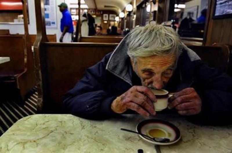 """O cafea """"în așteptare"""". Tu când o oferi?"""
