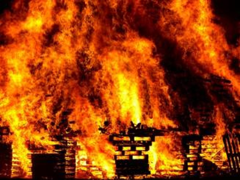 O cladire in care locuiau romani a ars in Germania. Zeci de oameni au ajuns la spital, 7 sunt in stare grava