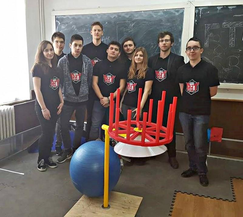 """O echipă de la Colegiul Național """"Mihai Eminescu"""" din Botoșani participă la BRD FIRST Tech Challenge Romania powered by Vodafone"""