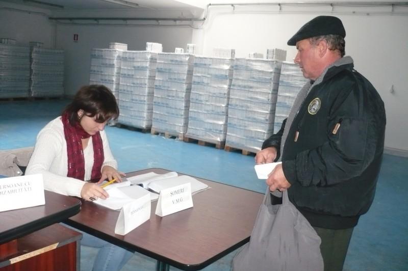 O familie din Botosani a primit de la Guvern 105 de kilograme de faina si 28 kilograme de zahar!