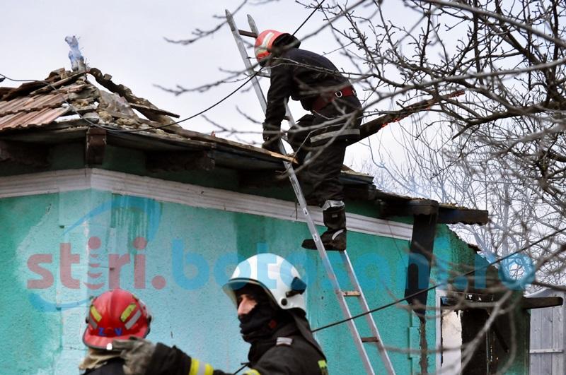 O femeie a rămas fără acoperiș deasupra capului, în prima zi de Crăciun!