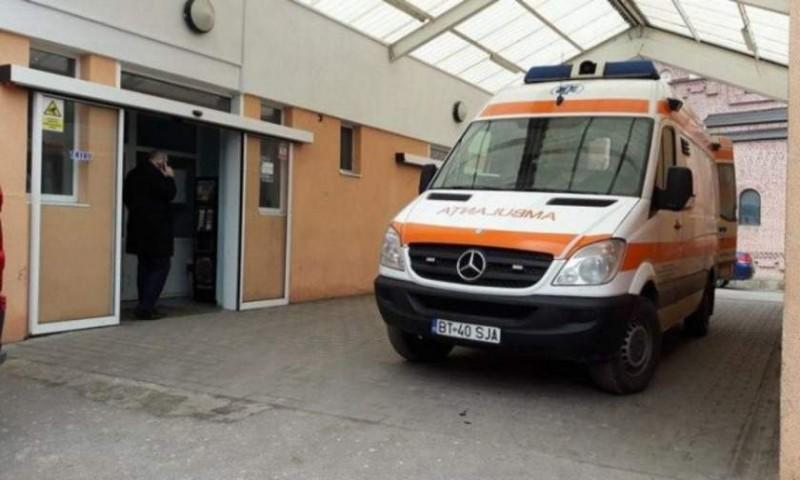 O femeie și-a pierdut conștiența pe stradă, în urma unei crize, chiar lângă un medic de la Ambulanță