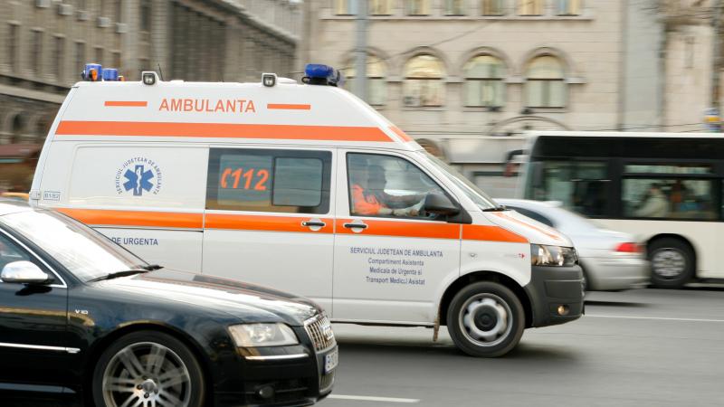O fetiţă din Botoşani a fost trimisă urgent la Iaşi după ce s-a otrăvit cu mătrăgună!