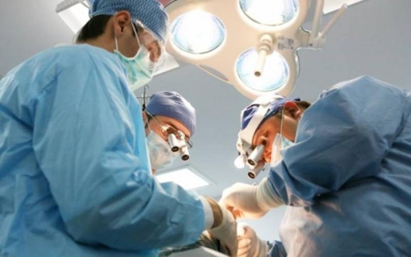 O fetiță din Botoșani, cu o tumoră gigant, va fi operată la Sibiu!