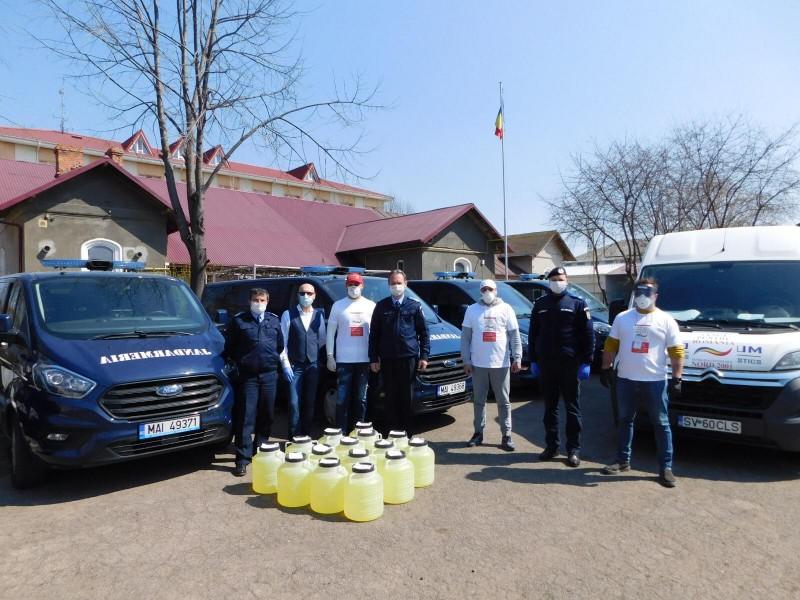 O fundație a donat 300 de litri de dezinfectant Jandarmeriei din Botoșani, cu sprijinul polițienesc
