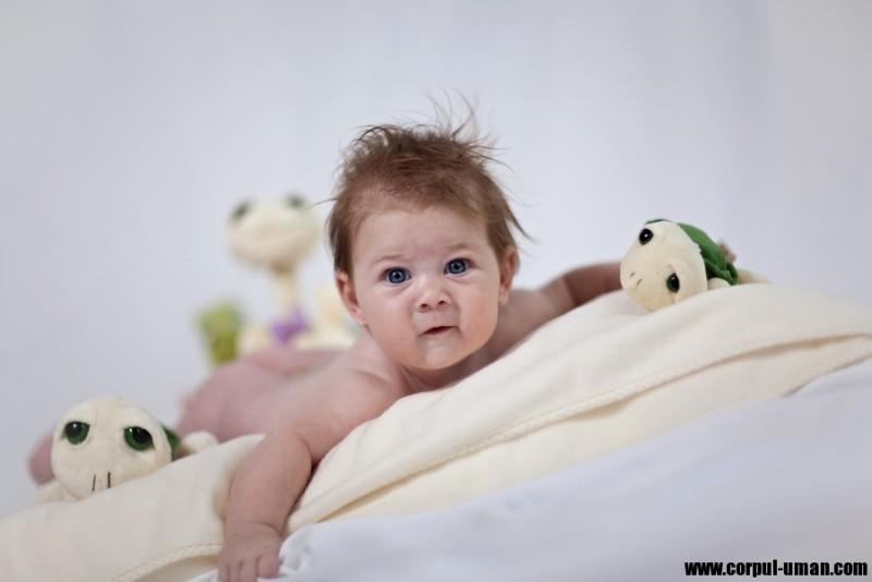 O mamă grijulie poate salva parcursul unui copil! Despre întârzierea neuromotorie, cu neurologul Florina Carpinschi