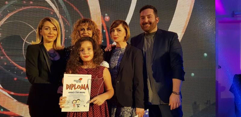 O mică artistă din Botoșani a obținut Premiul III la unul dintre cele mai mari concursuri de muzică pentru copii din lume