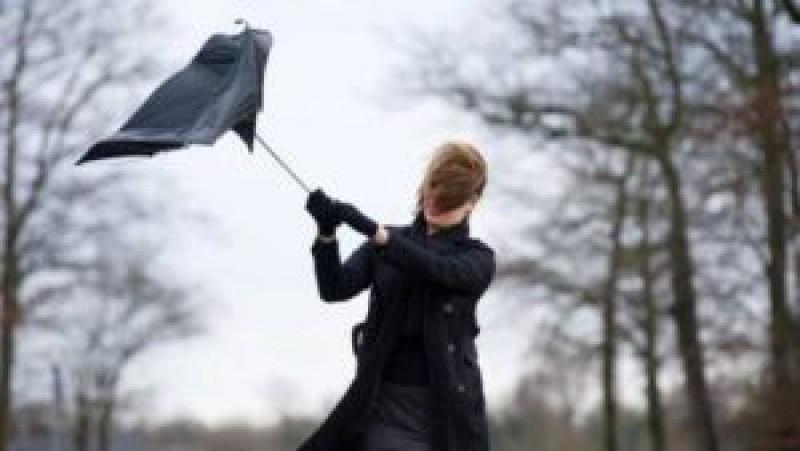 O nouă avertizare a meteorologilor. 24 de ore de vânt puternic și instabilitate atmosferică