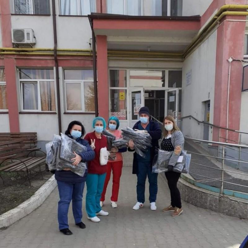 """O polițistă din Botoșani și-a donat ziua de naștere unui spital. """"Nu-mi doresc decât să mă iubească oamenii, așa cum îi iubesc eu"""""""
