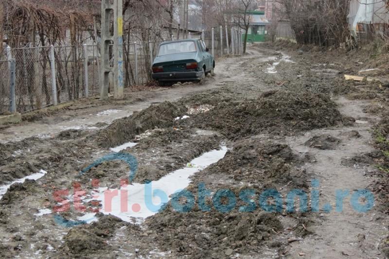 O problemă de supravieţuire pe una dintre străzile din municipiul Botoșani, unde ambulanţa nu poate pătrunde! FOTO- VIDEO