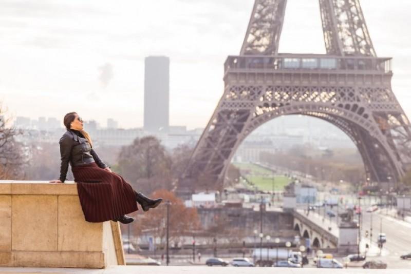 O româncă a murit la Paris. A căzut în gol chiar în fața iubitului care intenționa să o ceară de soție