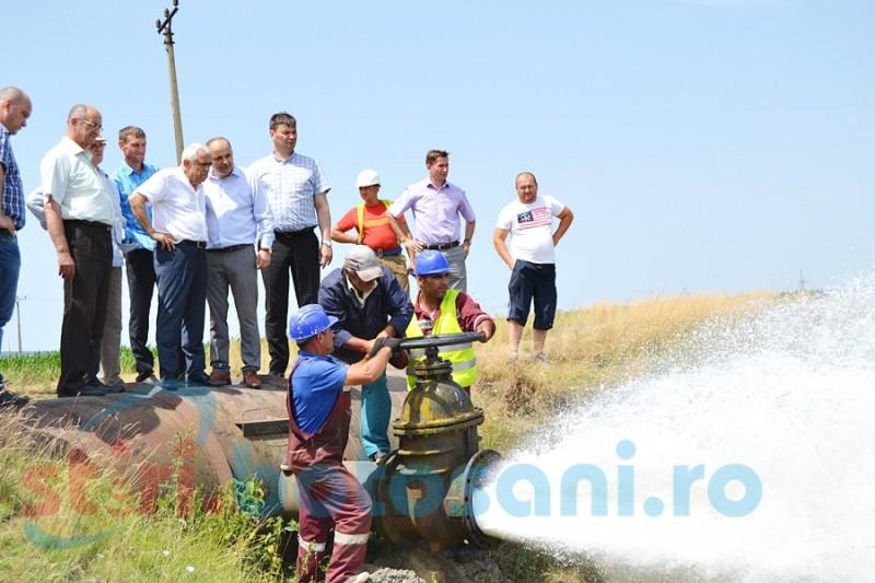 """O singură pompă dată în funcţiune la staţia de la Manoleasa. Pentru celelalte ministrul Daea va reveni: """"Pe data de 30 sunt aici"""" FOTO- VIDEO"""