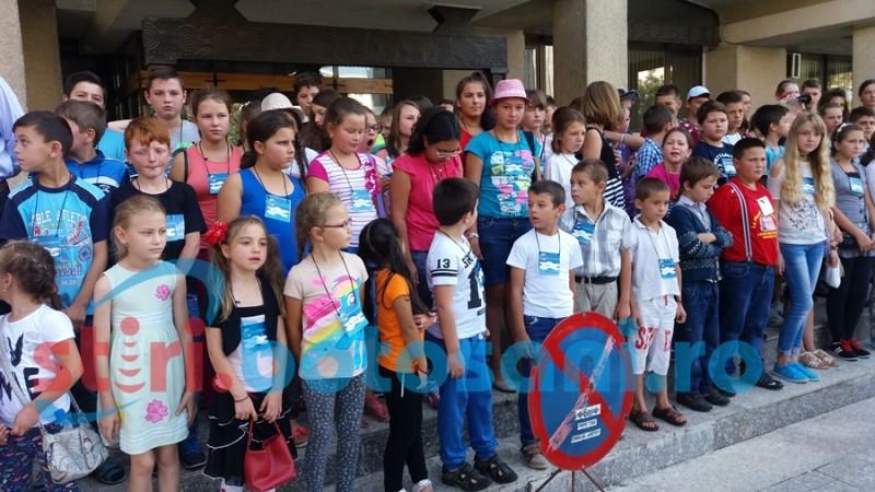 O sută de copii din nordul judeţului, năvală în Palatul Administrativ! FOTO