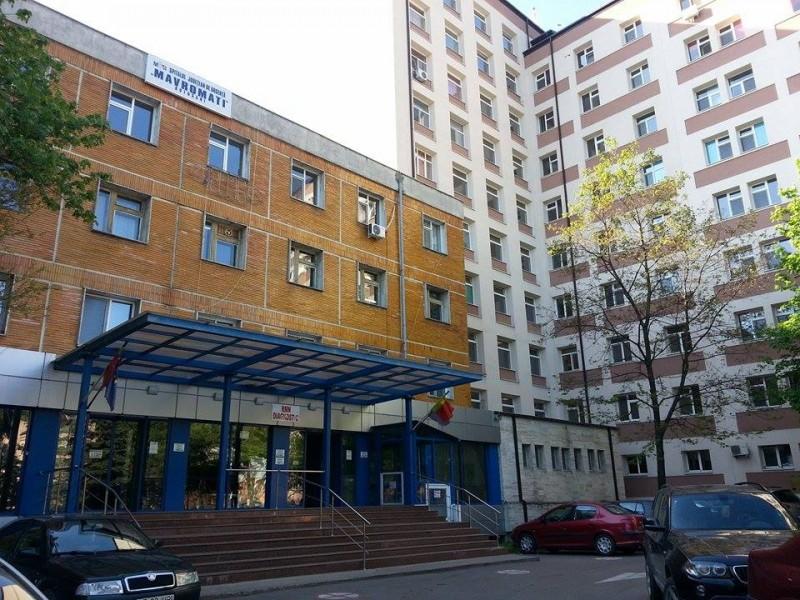 O tânără a venit să îşi viziteze o rudă la Spitalul Judeţean Mavromati şi a ajuns şi ea să aibă nevoie de îngrijiri medicale