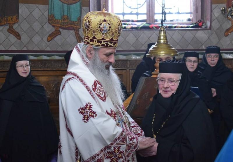 O viaţă în slujba monahismului românesc: Preacuvioasa Maică Teofana, sărbătorită la împlinirea a 50 de ani de stăreţie! FOTO