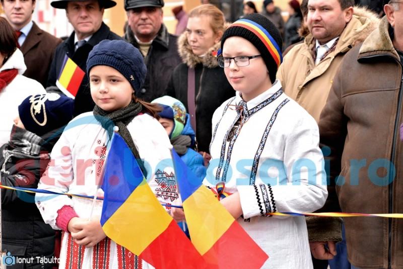 """Oamenii simpli au ieșit în stradă. Mesajul lui Andrei, un copil de 11 ani: """"Români, iubiți-vă țara și cinstiți-o!"""" FOTO"""
