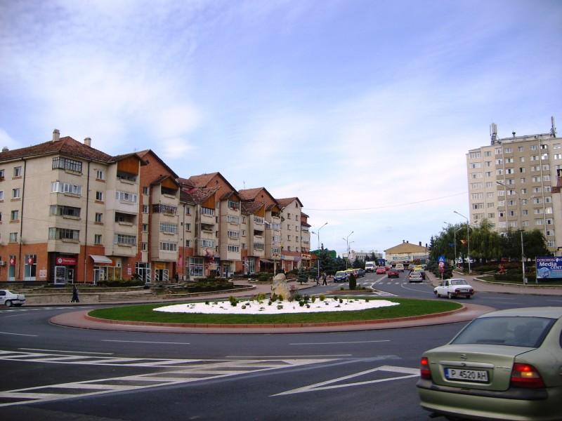 Oficialii municipalităţii dorohoiene reacţionează la criticile şefului de la Permise