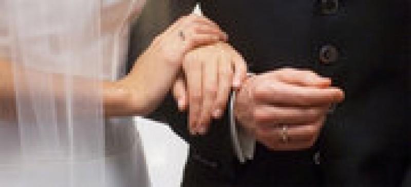 OPINII: Varsta legala pentru casatorie