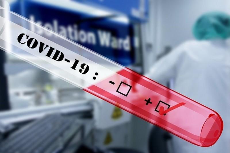 Opt botoșăneni diagnosticați cu COVID, în ultimele 24 de ore