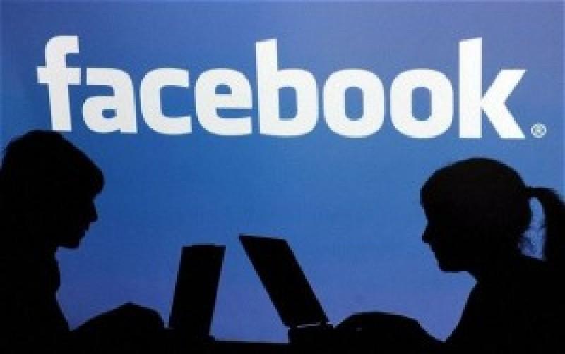 """Opt din zece copii au cont pe rețelele de socializare. Psiholog: """"Dacă li se interzice accesul online, copiii din ziua de azi devin agresivi"""""""