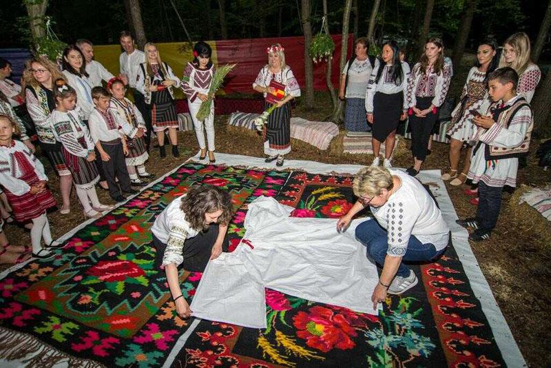 Organizaţia Femeilor Social Democrate din Botoșani: Șezătorile Iei, marca OFSD Botoșani, au ajuns la a IV-a ediție