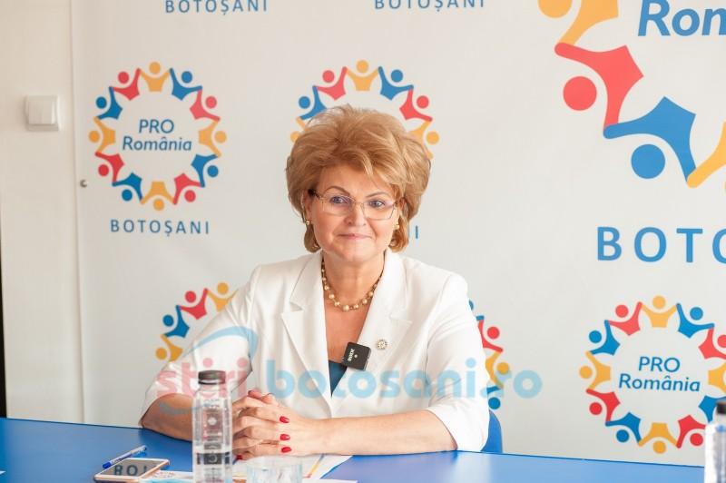 """(P) Deputatul Mihaela Huncă: """"La mulţi ani, Pro România Botoşani! Organizaţia judeţeană împlinește doi ani de la înfiinţare!"""""""
