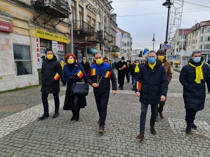 """(P) Mesaj al PNL Botoșani de Ziua Națională a României: """"Suntem mai aproape unii de alții mai mult ca oricând"""""""
