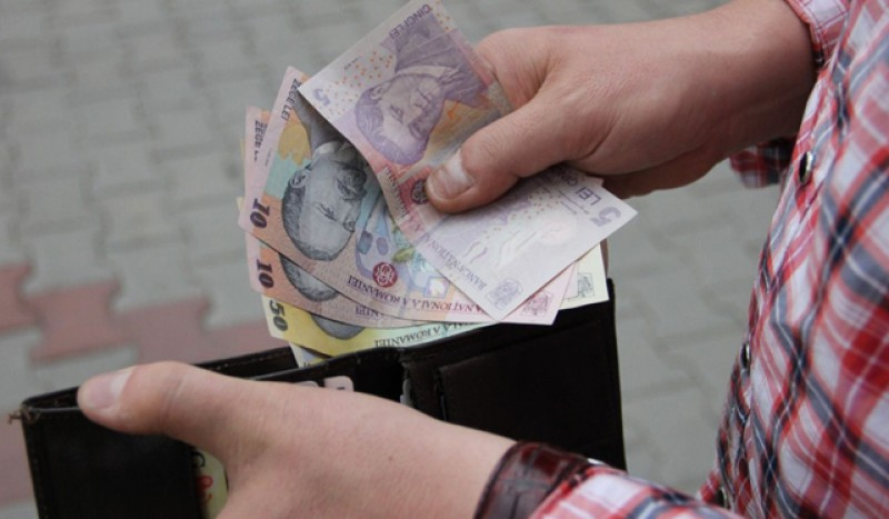 Până la sfârşitul lunii vom ști dacă se creşte salariului minim și cu cât