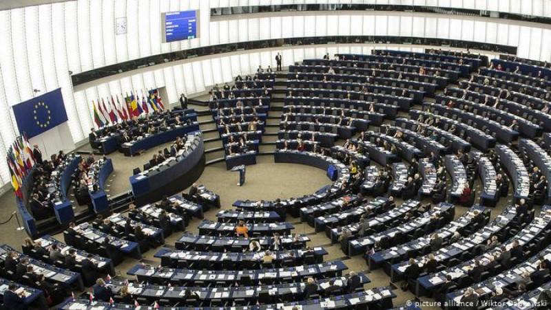 Pandemia închide cea mai democratică instituție a Europei: Parlamentul European se închide temporar