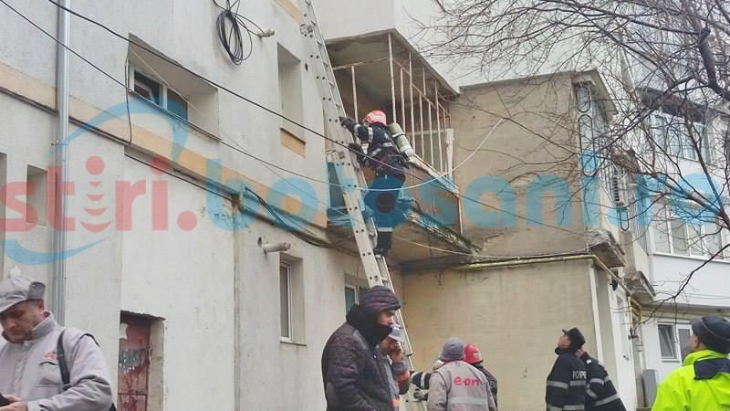 Pericol de explozie într-un bloc din municipiul Botoșani! FOTO