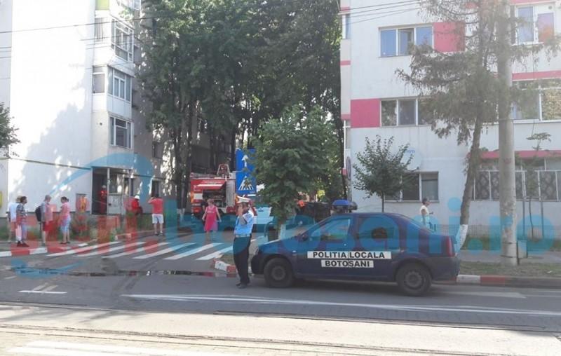 Panică într-un bloc din municipiul Botoșani! Locatarii au chemat pompierii!