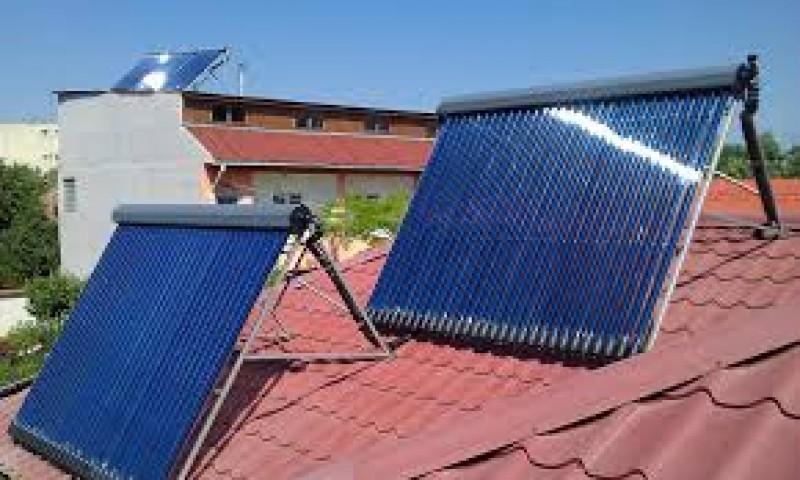 Panouri solare cerute pentru sute de locuinţe din judeţul Botoşani. Vor fi date gratuit