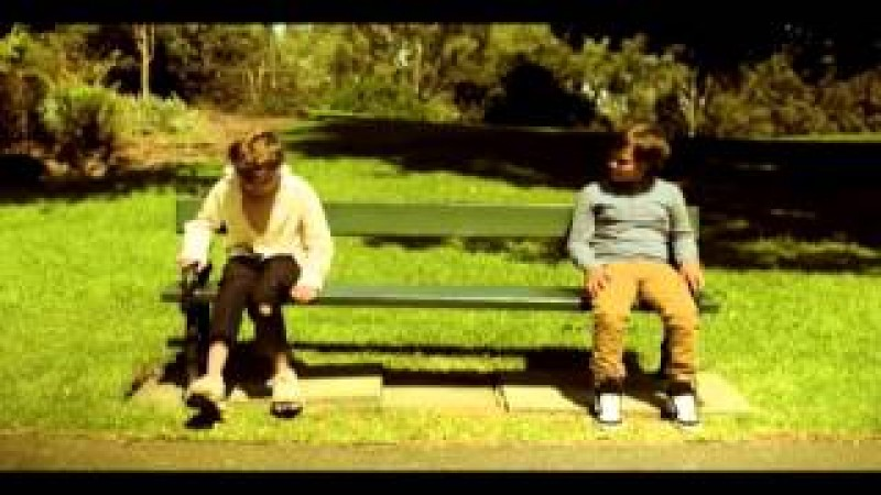PANTOFII MEI: Un video exceptional!