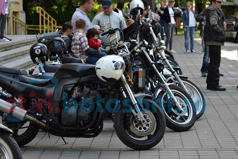 Paradă a motocicletelor pe Pietonalul Unirii, într-o acţiune umanitară! GALERIE FOTO