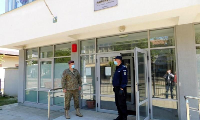 Parchetele de pe lângă Judecătoriile Săveni și Dorohoi au trecut sub pază militară