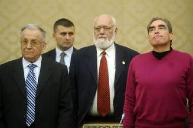 Parchetul General: Ion Iliescu si Petre Roman sunt inculpati in Dosarul Mineriadei, pentru crime contra umanitatii