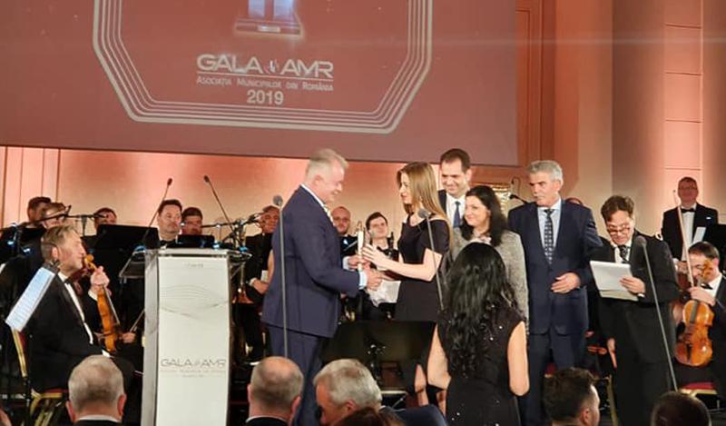 """Parcul de Agrement Turistic şi Sportiv """"Cornişa"""" a câștigat marele premiu al Galei Asociaţiei Municipiilor din România! VIDEO"""