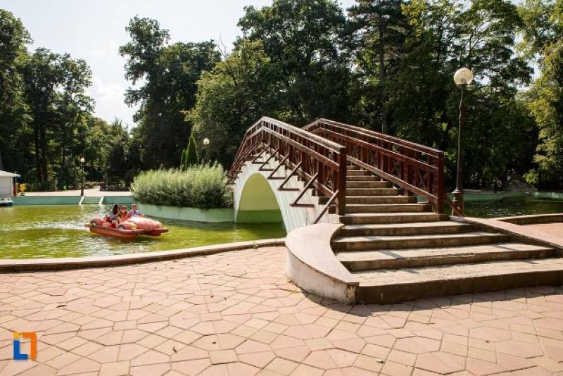 """Parcul """"Mihai Eminescu"""" se extinde. O pistă pentru alergat, noutatea proiectului în materie de zone recreative din municipiul Botoșani"""