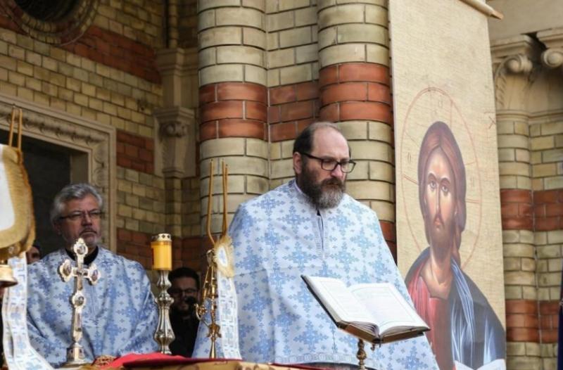 """Părintele Constantin Necula: """"Stați acasă, cuminți, îngrijind pe cei care trebuie să fie îngrijiți și îngrijindu-vă să nu ajungeți să vă îngrijească nimeni"""""""